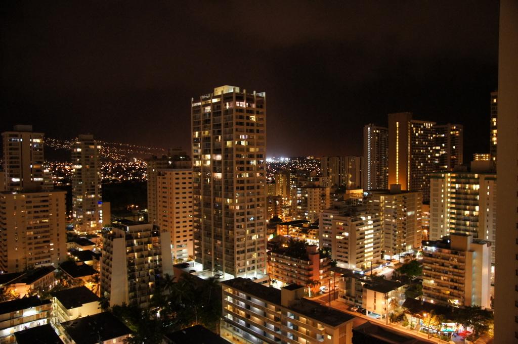 ハワイ オアフ島の夜景