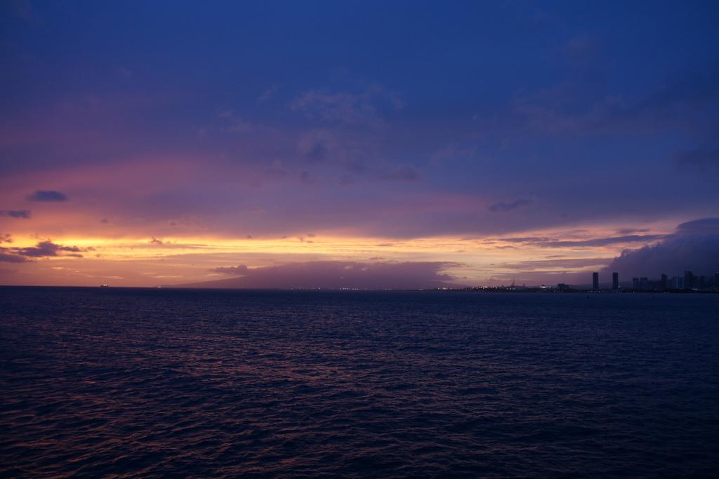 ハワイ、船からの夕焼け